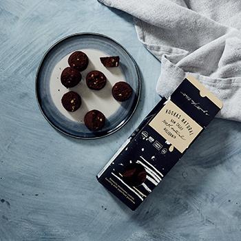 Raw-Cacao-Macadamia-Cookies